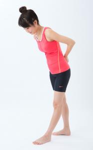 【症例報告・おじぎ仙骨スライド】歩行困難になるほどの下肢の痛みがほぼ改善し、長距離歩けて手術も回避