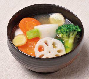 【狭窄症対策レシピ】ショウガや根菜で体ポカポカ「温野菜づくしみそ汁」