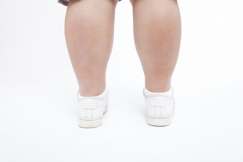 「「神経根型」脊柱管狭窄症の症状~左右片側に痛みやしびれ、歩行障害も~」