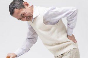 腰痛が原因でウツに!? 脊柱管狭窄症患者の3割がウツで悩むと判明