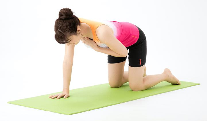 重度の脊柱管狭窄症でもできる「ネコ伸び体操」で体幹筋・歩行力をアップ